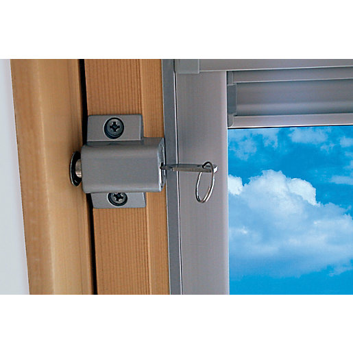 uPVC-Window-Accessories-Wickes-Window-Security-LockK0795_180202_00.jpg